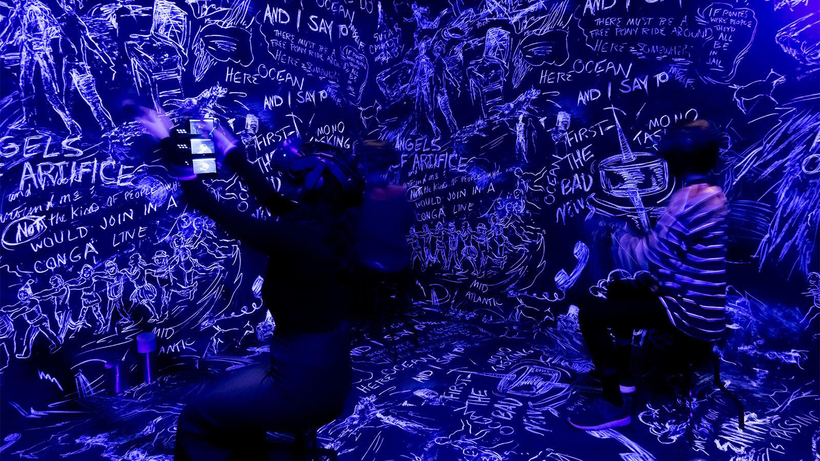 Chalkroom de Laurie Anderson, Crédit: Sandra Larochelle